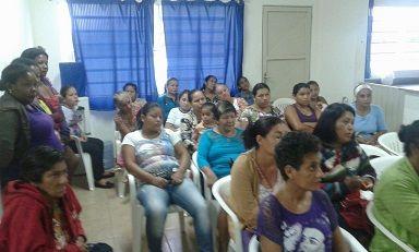 Prefeitura de Aquidauana faz doação de cobertores na Vila Pinheiro