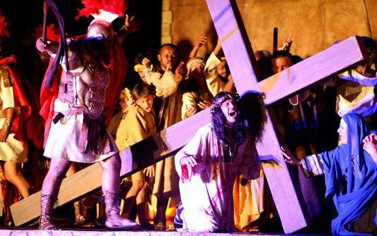 Coordenadoria da Juventude busca atores para encenação de Paixão de Cristo